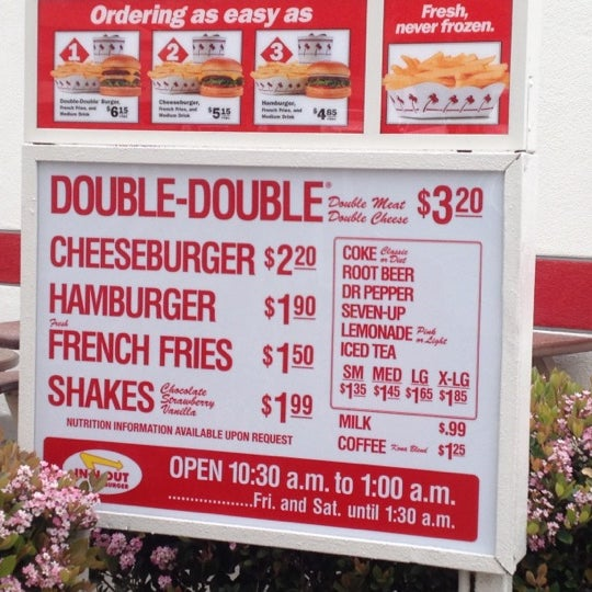 Photo taken at In-N-Out Burger by Ueli G. on 3/16/2012