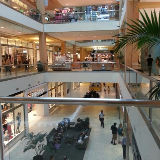Shoe Stores Inside Queen Center Mall