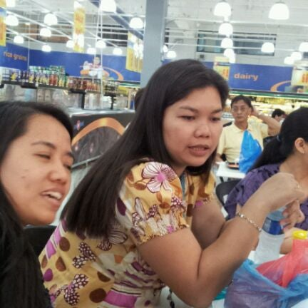 Photo taken at Shopwise by Norman P. on 4/3/2012