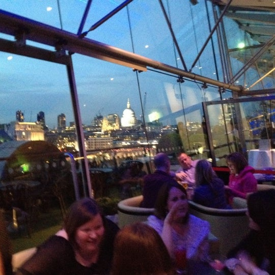 Photo taken at OXO Tower Brasserie by Lee R. on 4/20/2012
