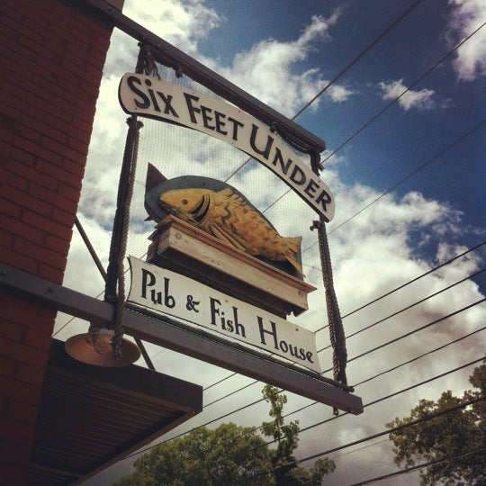 six feet under pub fish house seafood restaurant in