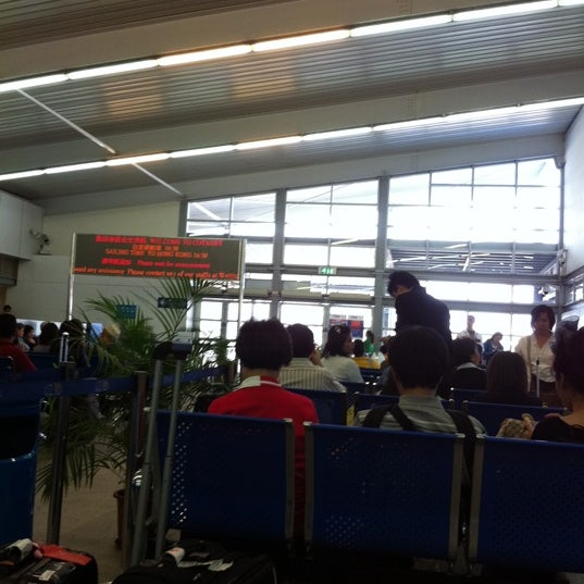 Photo taken at Taipa Ferry Terminal | Terminal Marítimo de Passageiros da Taipa | 氹仔客運碼頭 by Dee H. on 4/13/2012