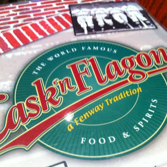 Photo taken at Cask 'n Flagon by Anne D. on 6/9/2012