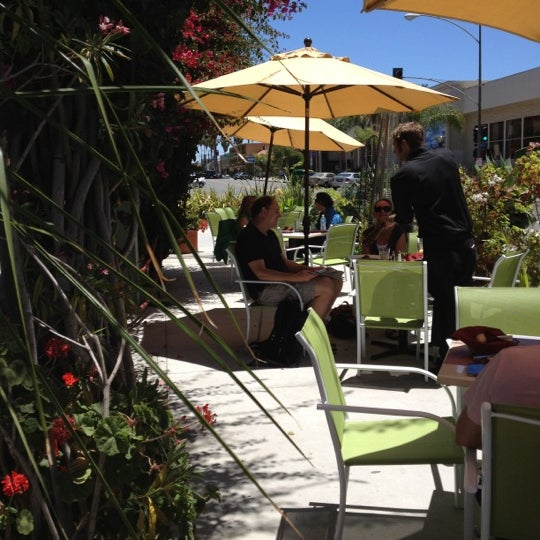 Photo taken at Utopia by UTOPIA g. on 6/26/2012