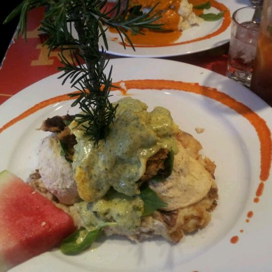 Photo taken at Hash House a Go Go by Sara B. on 4/3/2012