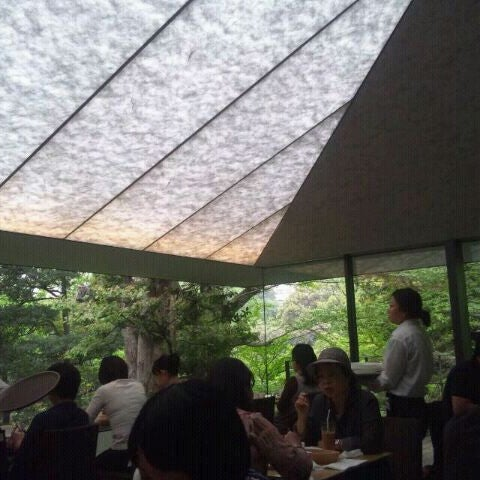 Photo taken at Nezu Museum by Hisami K. on 5/9/2012