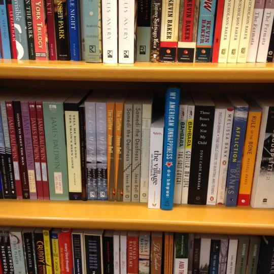 Photo taken at McNally Jackson Books by bertrand L. on 5/10/2012