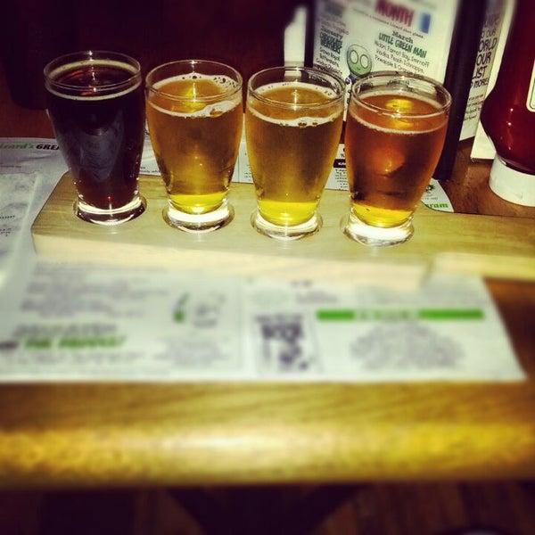 Photo taken at Winking Lizard Tavern by Jason K. on 5/11/2012