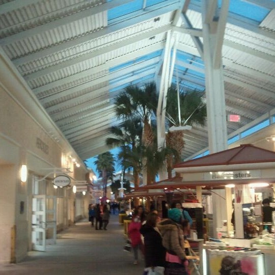 Photo taken at Orlando Premium Outlets - Vineland Ave by Jose A. on 2/12/2012