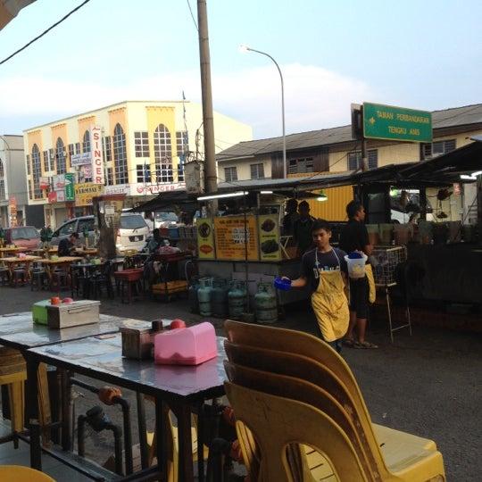Photo taken at Nabil Keow Teow Kerang by Nik A. on 6/24/2012
