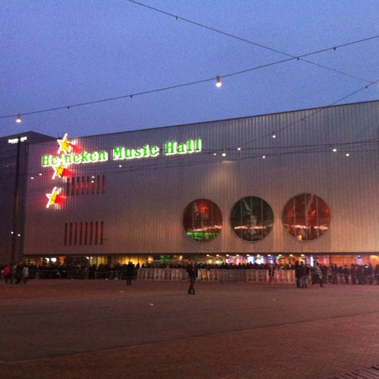 Photo taken at Heineken Music Hall by Jorge L. on 3/1/2012
