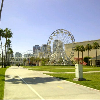 Photo taken at Ferris Wheel At The Pike by Angelique D. on 6/8/2012