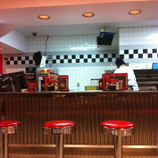 Photo taken at Steak 'n Shake by Sarah M. on 4/15/2012