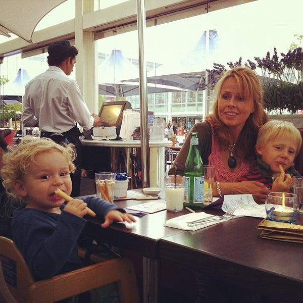 Photo taken at Carluccio's by Craig H. on 8/23/2012