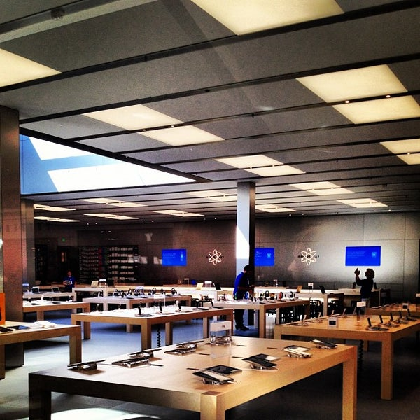 Photo taken at Apple Store, Bellevue Square by Robert V. on 9/1/2012