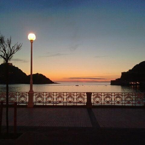 Photo taken at Paseo de La Concha by Mitzilister on 5/9/2012