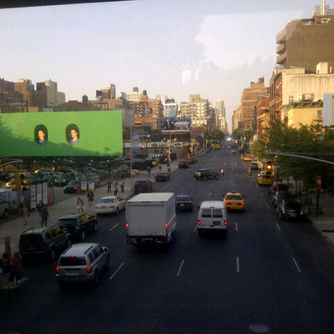 Photo taken at High Line 10th Ave Amphitheatre by Nelson C. on 8/30/2012