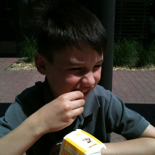 Photo taken at McDonald's by Fighting on 5/30/2012