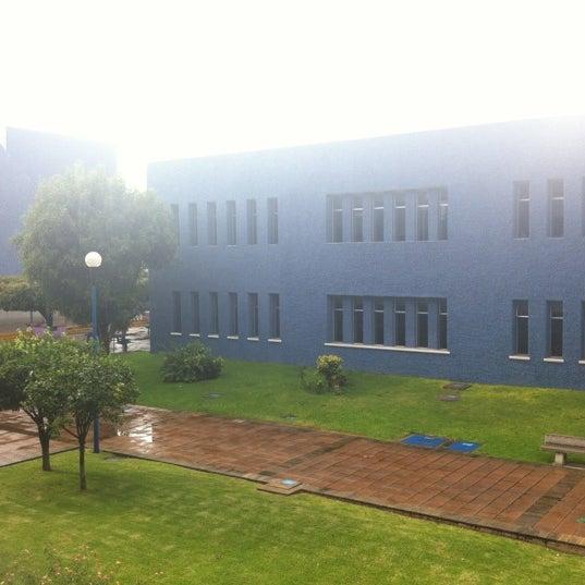 Photo taken at Universidad del Valle de Atemajac (UNIVA) by Arle V. on 9/6/2012