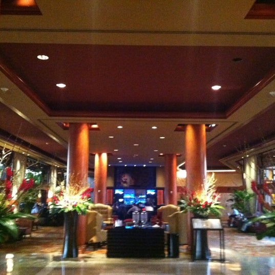 Photo taken at Marriott Marina Del Rey by Young on 2/24/2012
