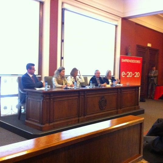 Foto tomada en Cámara de Comercio e Industria por Dani L. el 5/23/2012