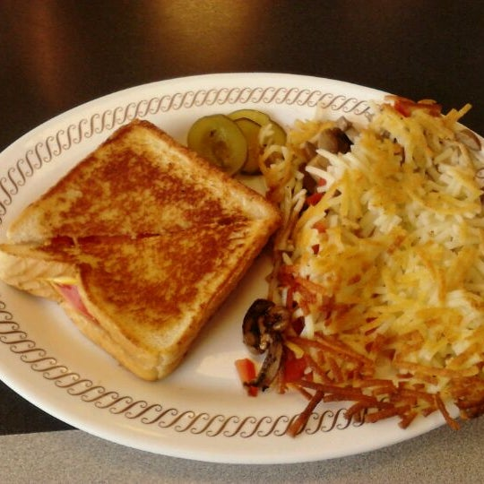 Photo taken at Waffle House by Erin H. on 4/24/2012