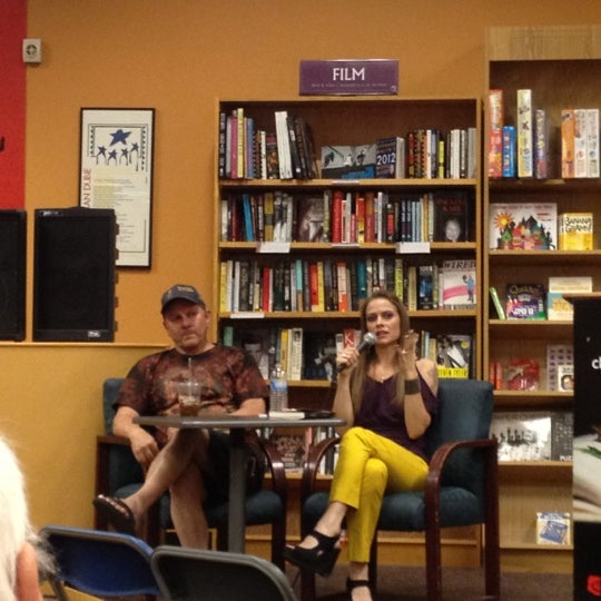 Photo taken at Changing Hands Bookstore by ghostyouknow on 5/16/2012