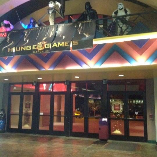 Reading movie theatres