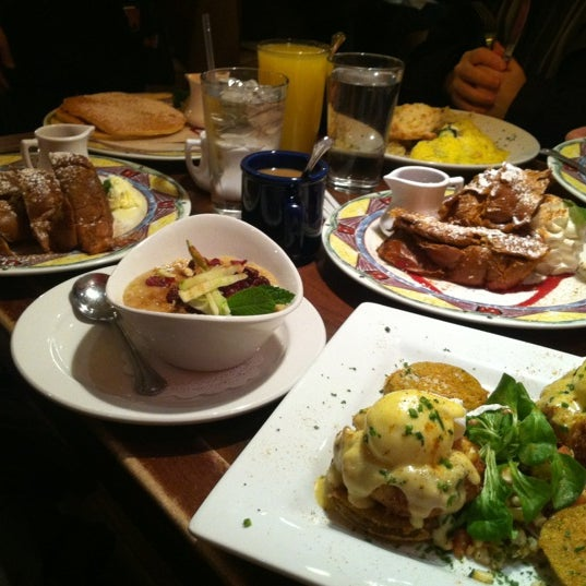 Photo taken at Miss Shirley's Cafe by Melzie on 3/15/2012