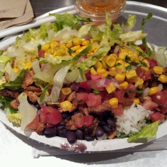 Photo taken at Chipotle Mexican Grill by Larry Q. on 3/23/2012
