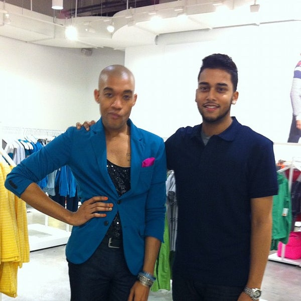 Photo taken at Joe Fresh by Marquis B. on 4/23/2012