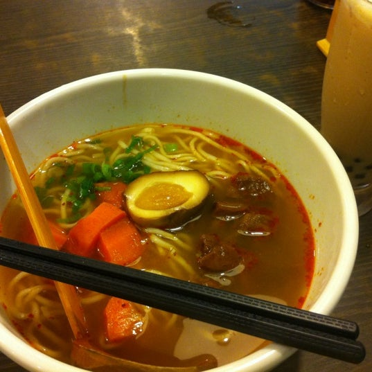Photo taken at 董家台灣牛肉麵 Dong's Beef Noodles by Sharon W. on 8/31/2012