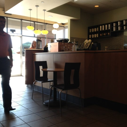 Photo taken at Starbucks by Maria T. on 4/19/2012