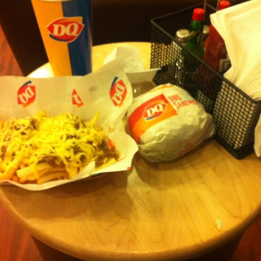 Photo taken at Dairy Queen | ديري كوين by Sultan (Misyar) A. on 4/13/2012
