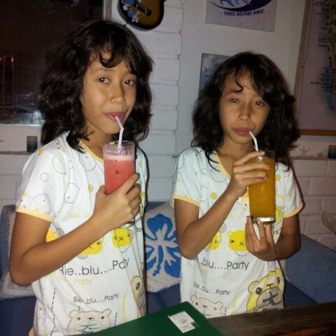 Photo taken at Aloha Aina Chef Dimas -Refined Hawaiian Cuisine by Chef Dimas Soeyono. by Dwisatio A. on 7/11/2012