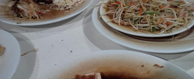 Photo taken at Qudama Japanese Food by wahyu s. on 4/4/2015