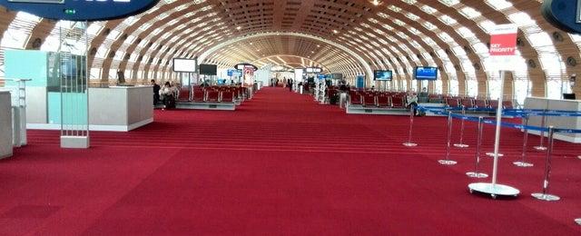 Photo taken at Aéroport Paris-Charles de Gaulle (CDG) by Cristian L. on 11/9/2013