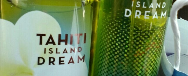 Photo taken at Bath & Body Works by Brittany M. on 5/7/2015