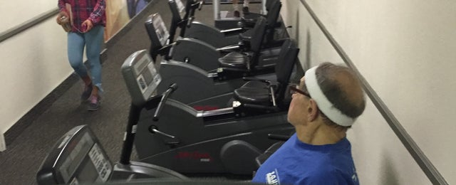Photo taken at LA Fitness by Kt C. on 5/31/2015