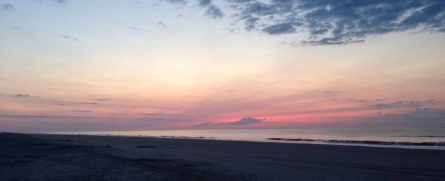 Photo taken at 40th Street Beach by Margarita K. on 8/16/2014
