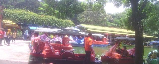 Photo taken at Taman Rekreasi Sengkaling by Faa S. on 3/22/2015
