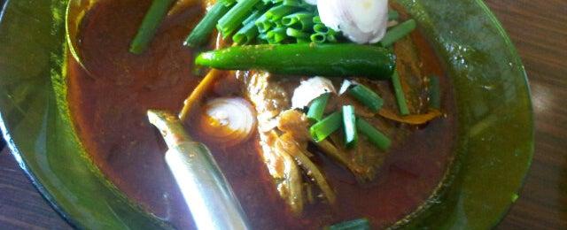 Photo taken at Restoran Minah by Khairul K. on 9/9/2012