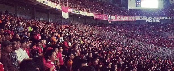 Photo taken at Stadion Utama Gelora Bung Karno (GBK) by Deden I. on 6/7/2013