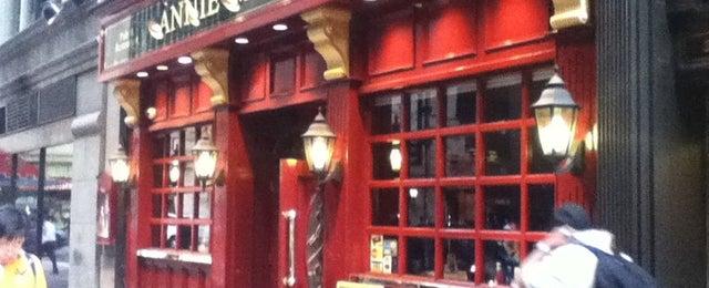 Photo taken at Annie Moore's Bar & Restaurant by Toshiyuki F. on 6/26/2012