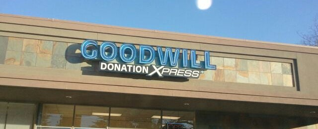 Photo taken at Goodwill Donation Xpress by Joseph C. on 12/3/2011