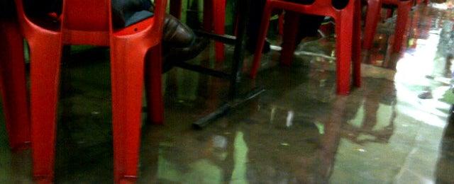 Photo taken at Warung Makan Lorong by Khafizol I. on 9/11/2012
