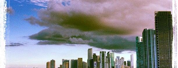 Hilton Miami Downtown is one of Swanky Digz.