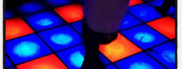 Shadow Lounge is one of Nightclubs in London.