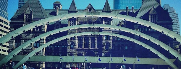 Nathan Phillips Square is one of Toronto City Guide #4sqCities.
