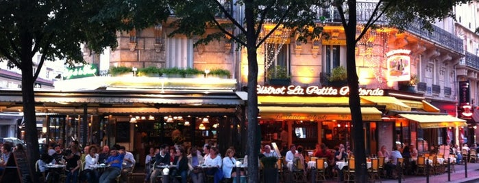 Café de la Place is one of Paris.